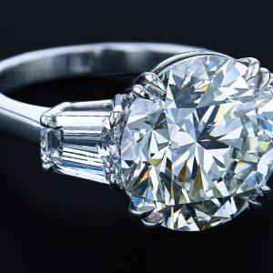 10 Ct. Round Diamond Ring
